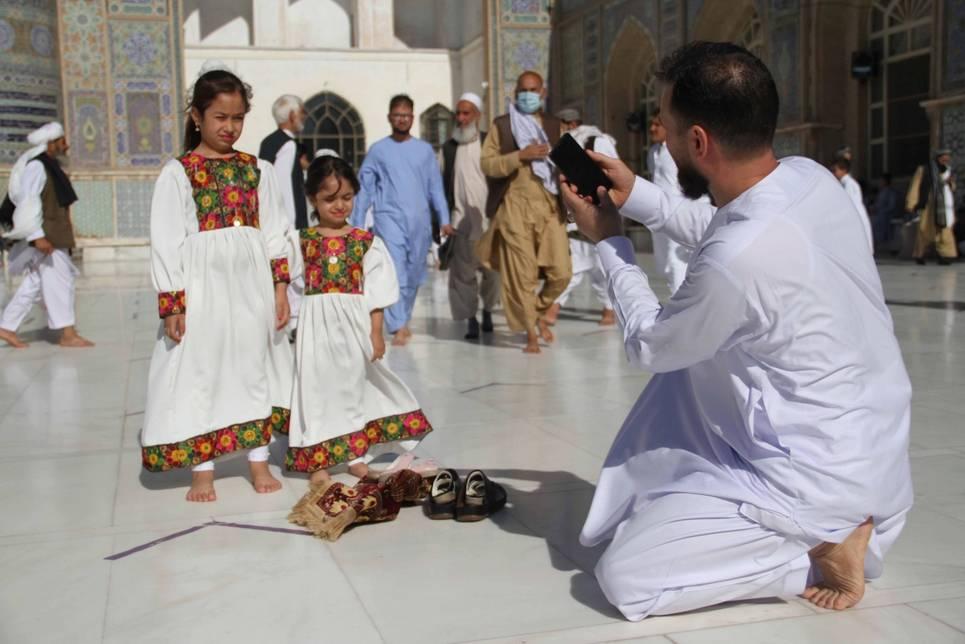 İslam dünyası bayram namazında buluştu 13