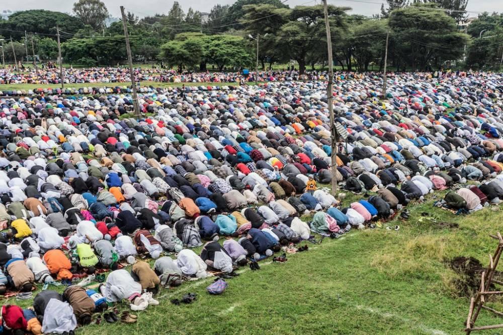 İslam dünyası bayram namazında buluştu 2
