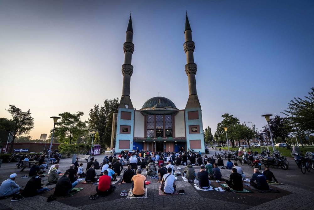 İslam dünyası bayram namazında buluştu 3