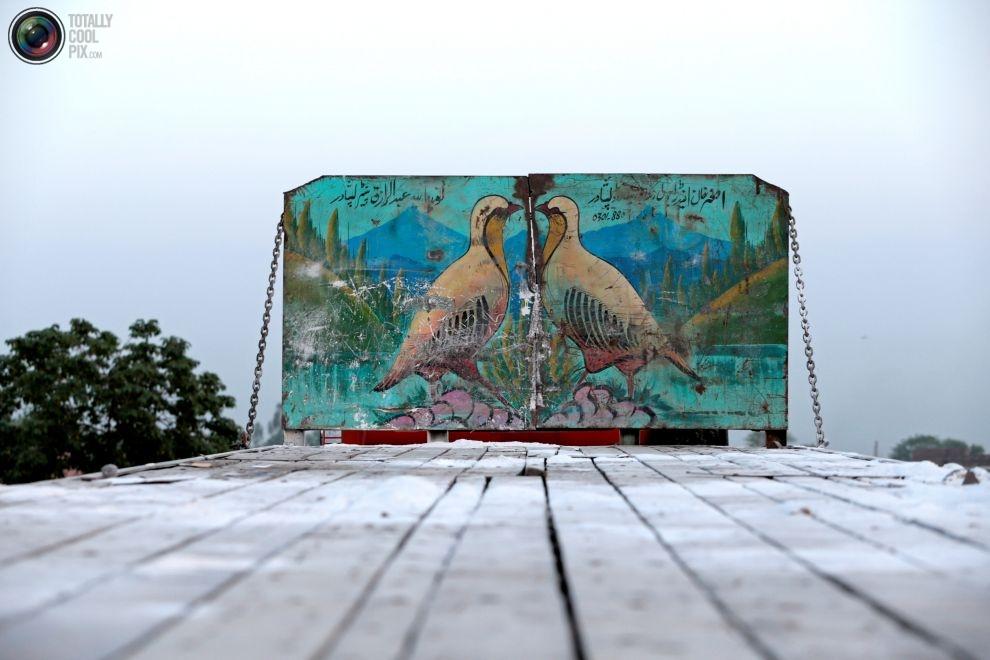 Pakistan'da kamyon süsleme sanatı 12