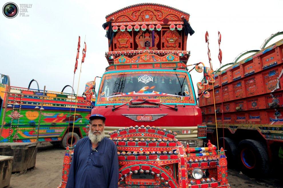 Pakistan'da kamyon süsleme sanatı 14