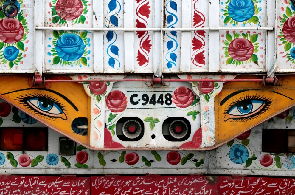 Pakistan'da kamyon süsleme sanatı 16