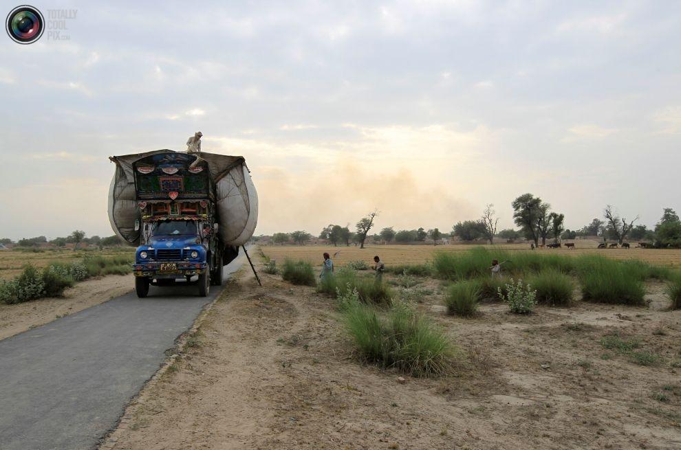 Pakistan'da kamyon süsleme sanatı 5
