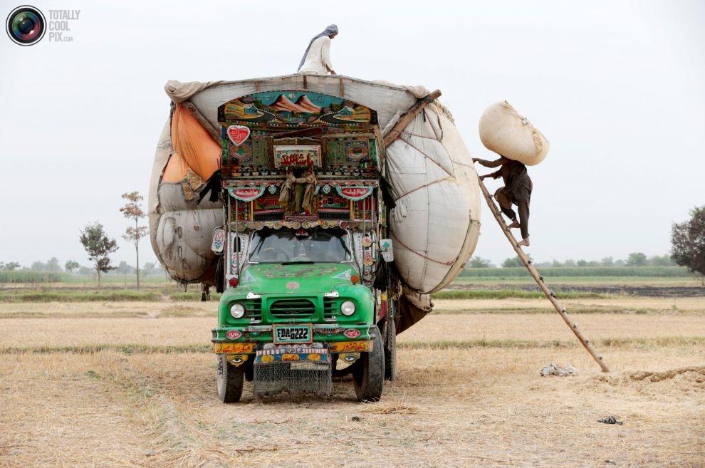Pakistan'da kamyon süsleme sanatı 6