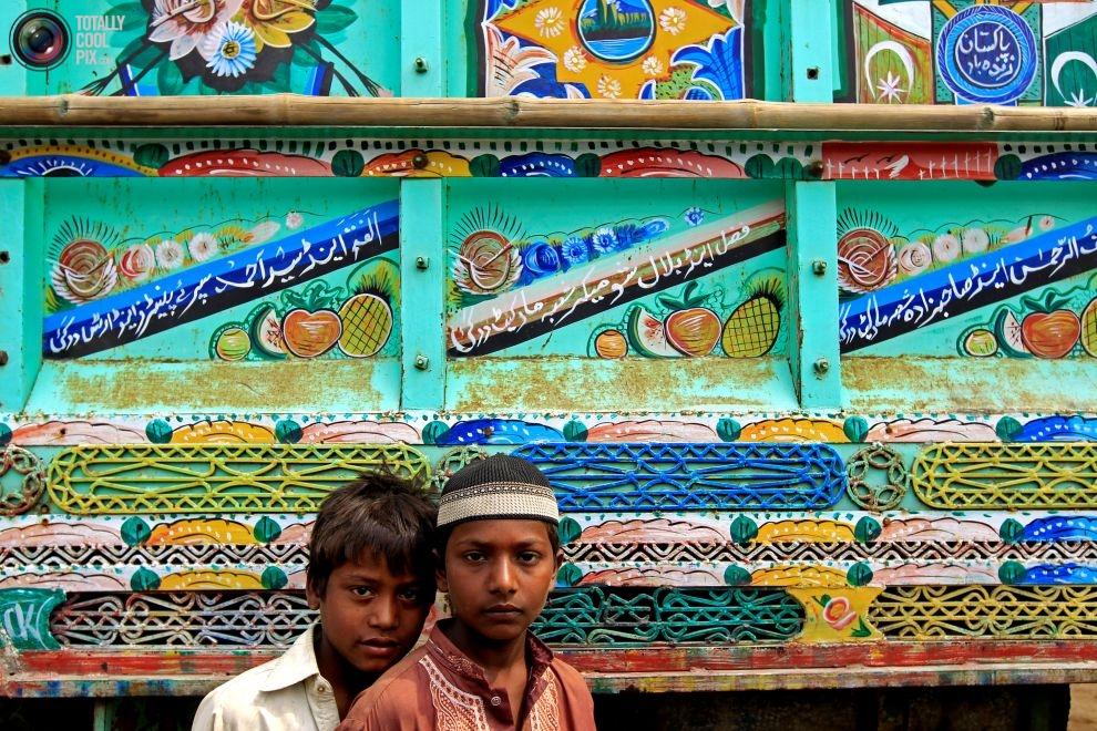 Pakistan'da kamyon süsleme sanatı 7