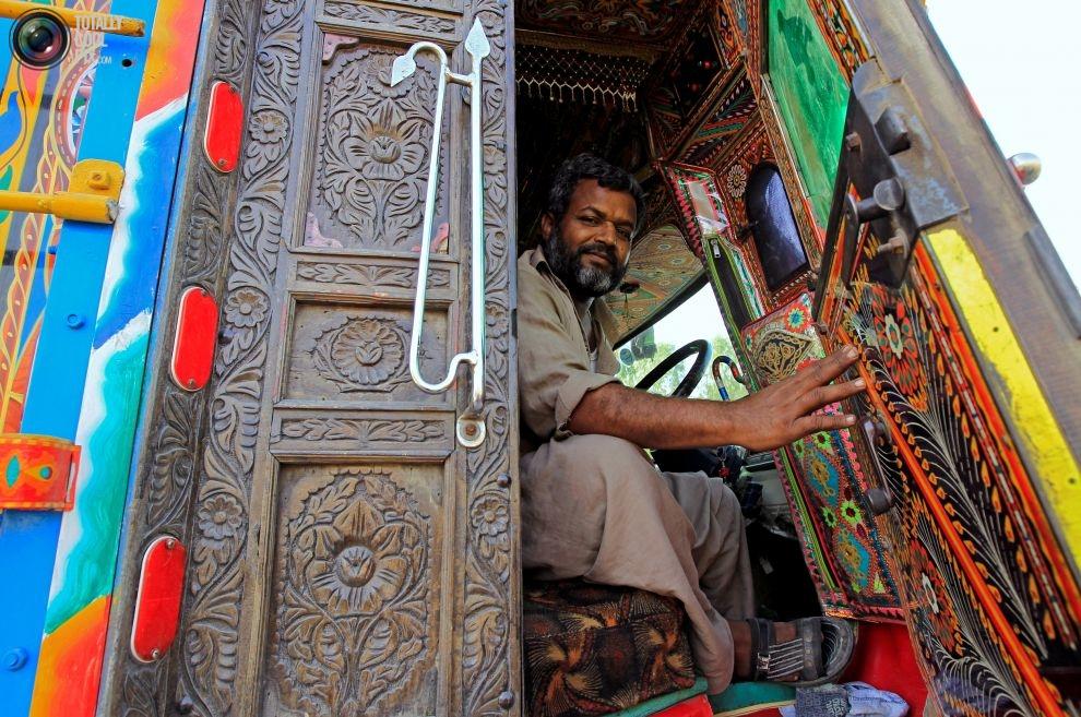 Pakistan'da kamyon süsleme sanatı 8
