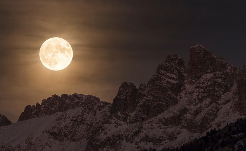 2017 yılının ödüle aday astronomi fotoğrafları 7
