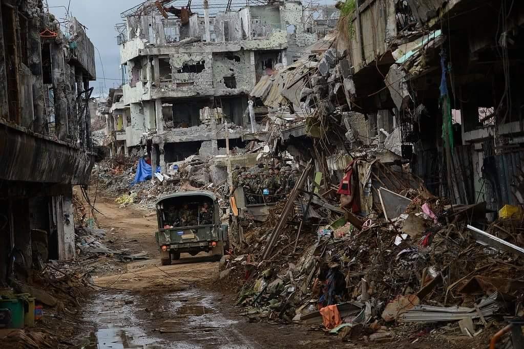 Filipinler ordusunun yıkıma uğrattığı Marawi şehri 7