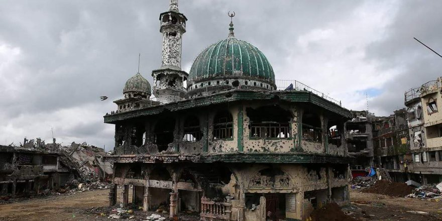 Filipinler ordusunun yıkıma uğrattığı Marawi şehri