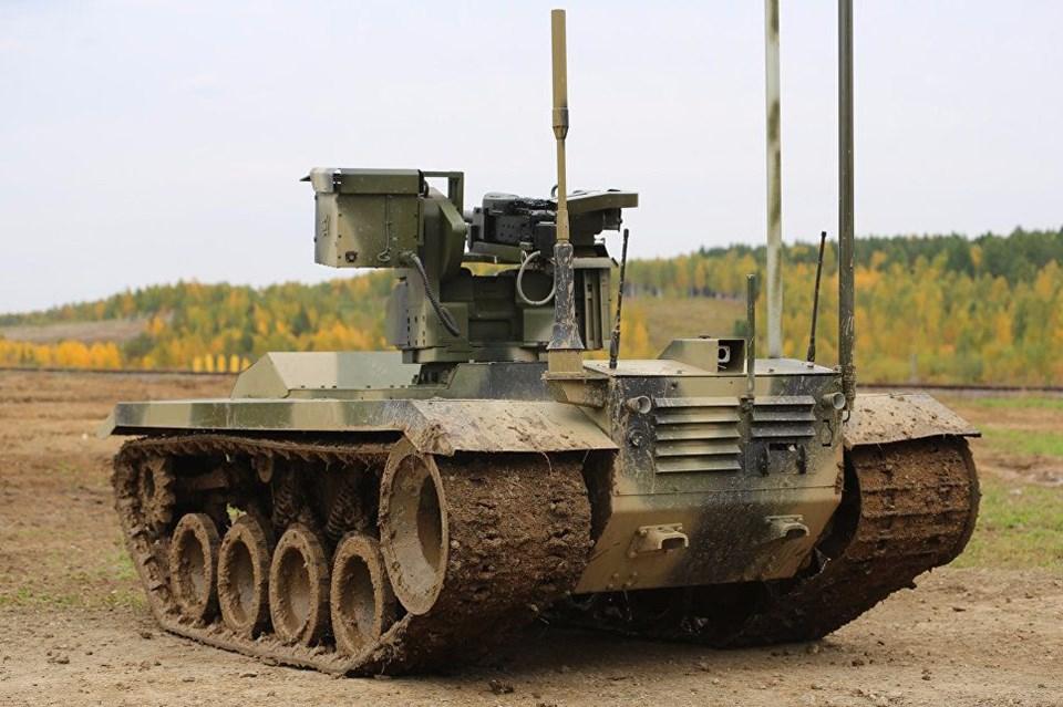 Rusya'nın yeni nesil savaş makineleri 25