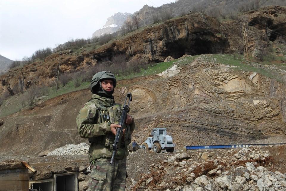 PKK sığınaklarına operasyon 1
