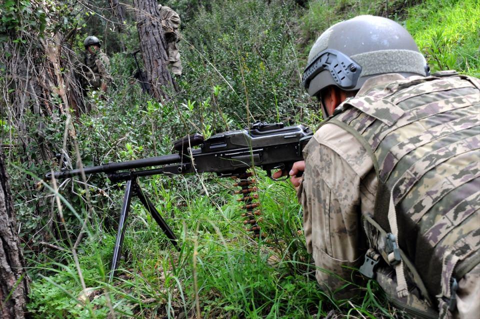 PKK sığınaklarına operasyon 16