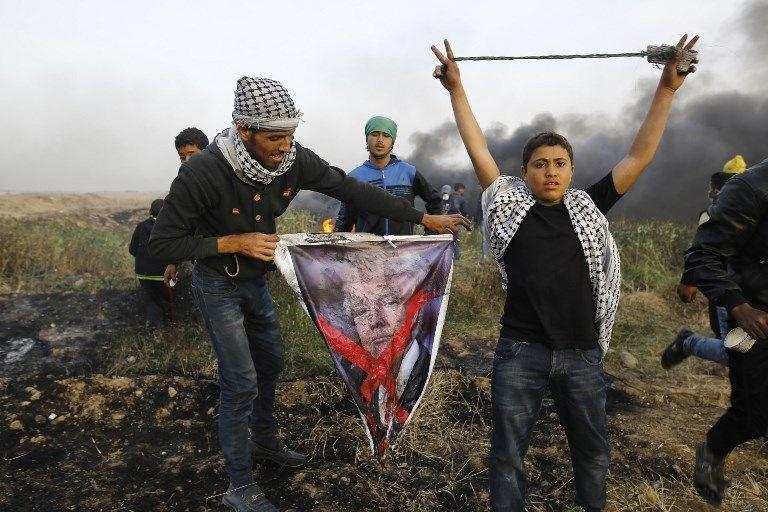 """İsrail'e rağmen Gazze sınırında """"ateş cuması"""" eylemi: 2 ö 12"""