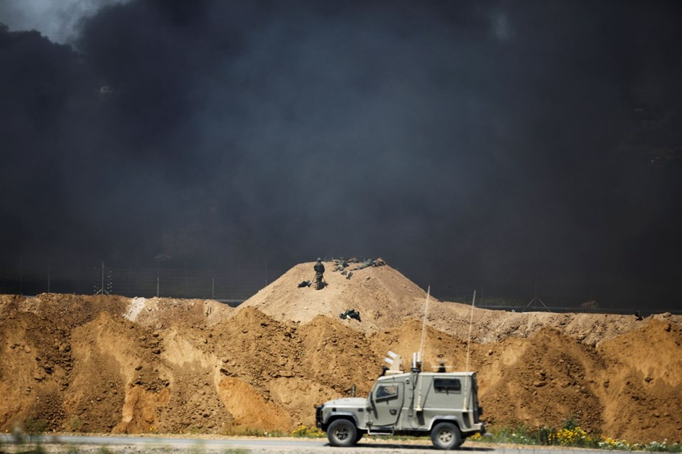 """İsrail'e rağmen Gazze sınırında """"ateş cuması"""" eylemi: 2 ö 24"""