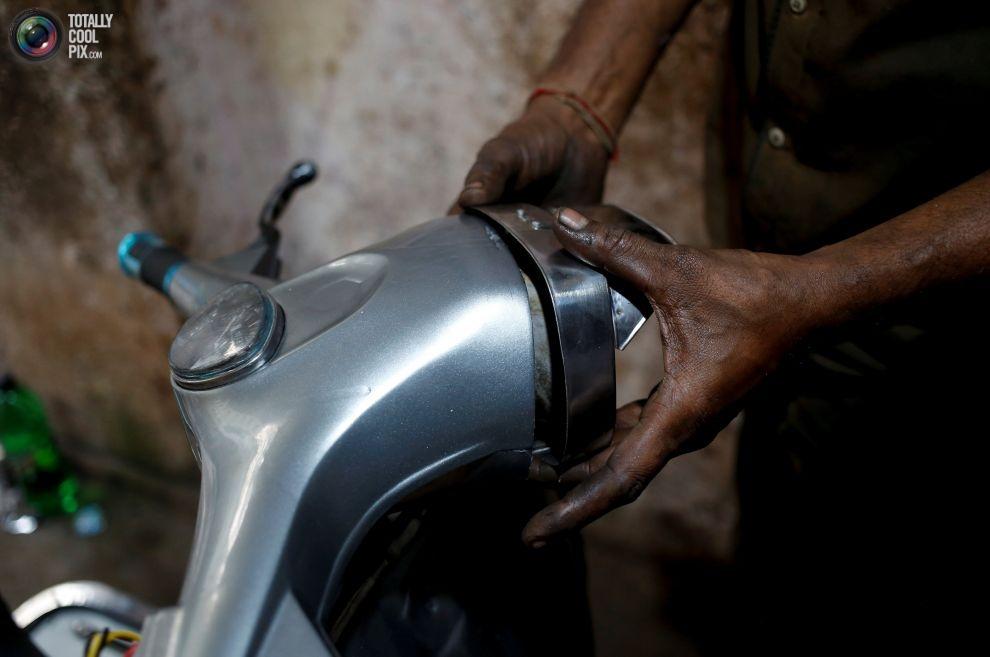 Pakistan BMW'si: Vespa scooterlar 16