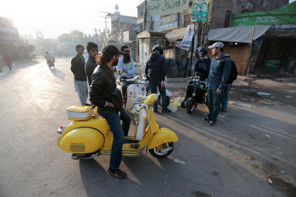 Pakistan BMW'si: Vespa scooterlar 18