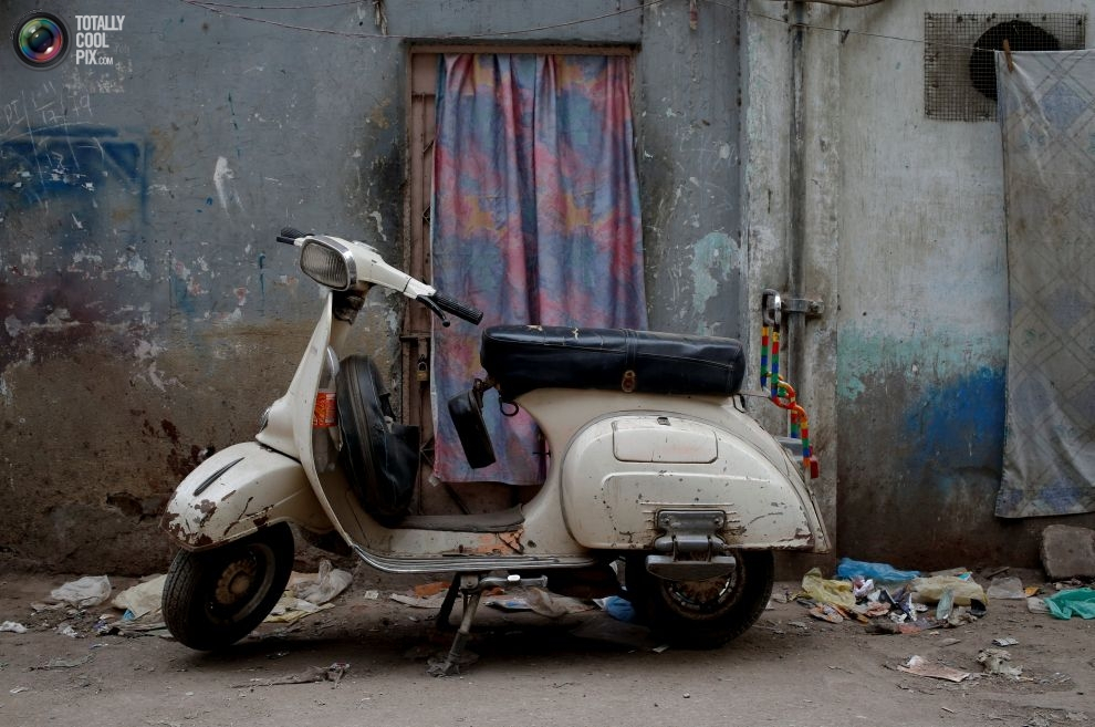 Pakistan BMW'si: Vespa scooterlar 9
