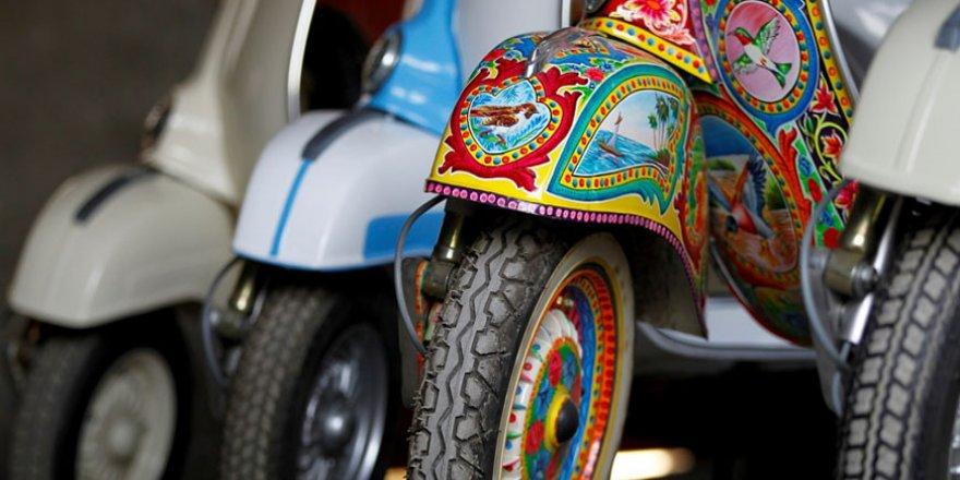 Pakistan BMW'si: Vespa scooterlar