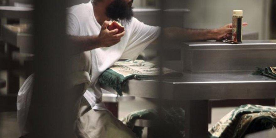 Guantanamo tutuklularının yaşamı