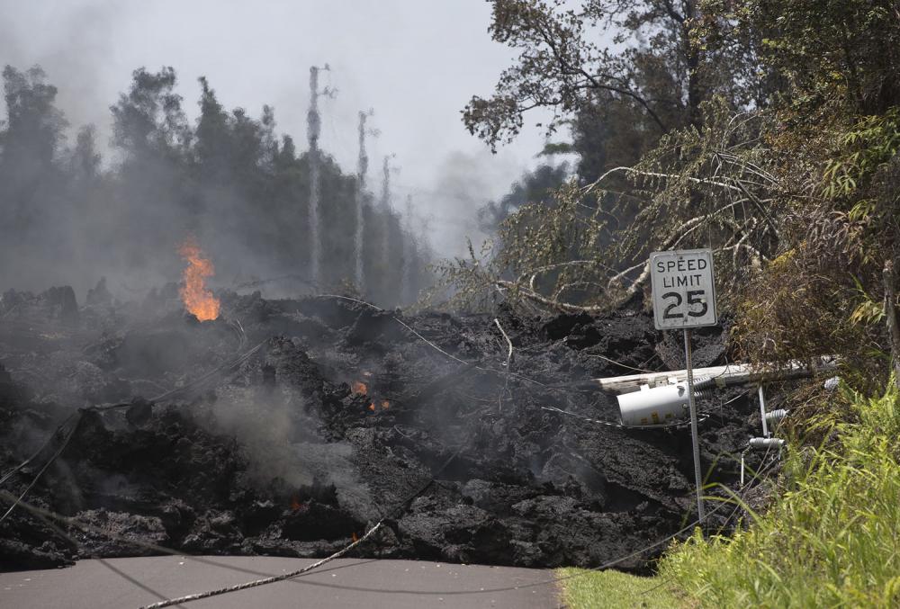 Hawaii'de yanardağ alarmı 16