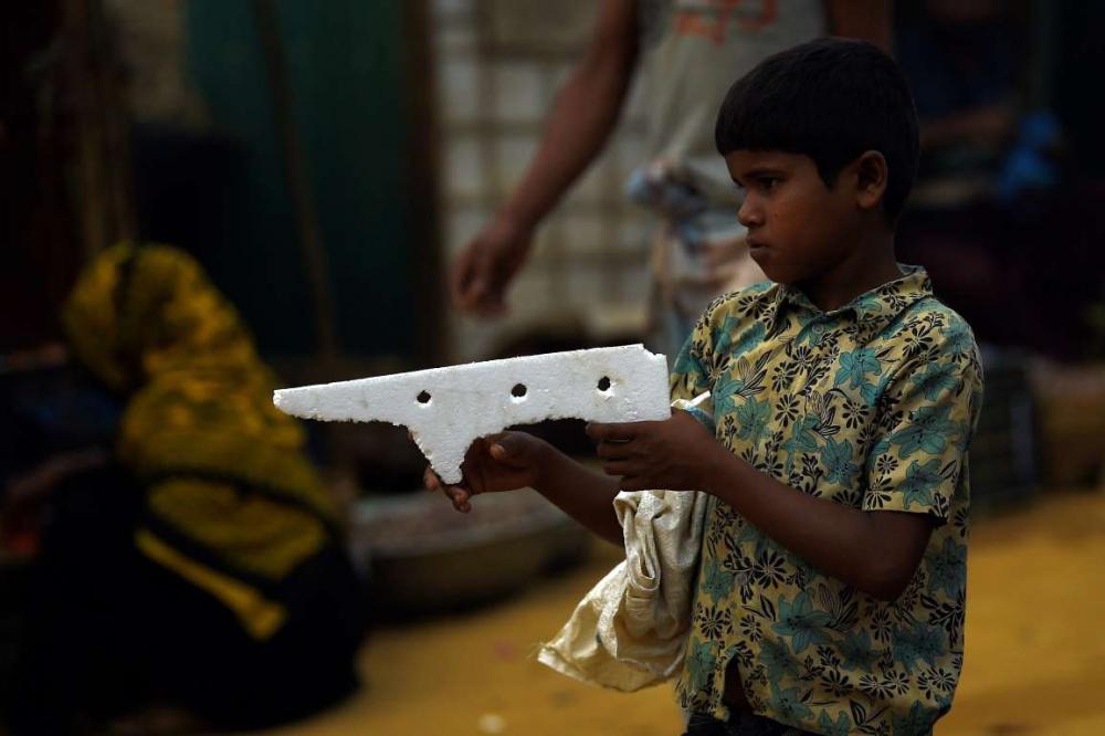 Rohingyalıların tehlikeli sularda hayatta kalma mücadelesi 10