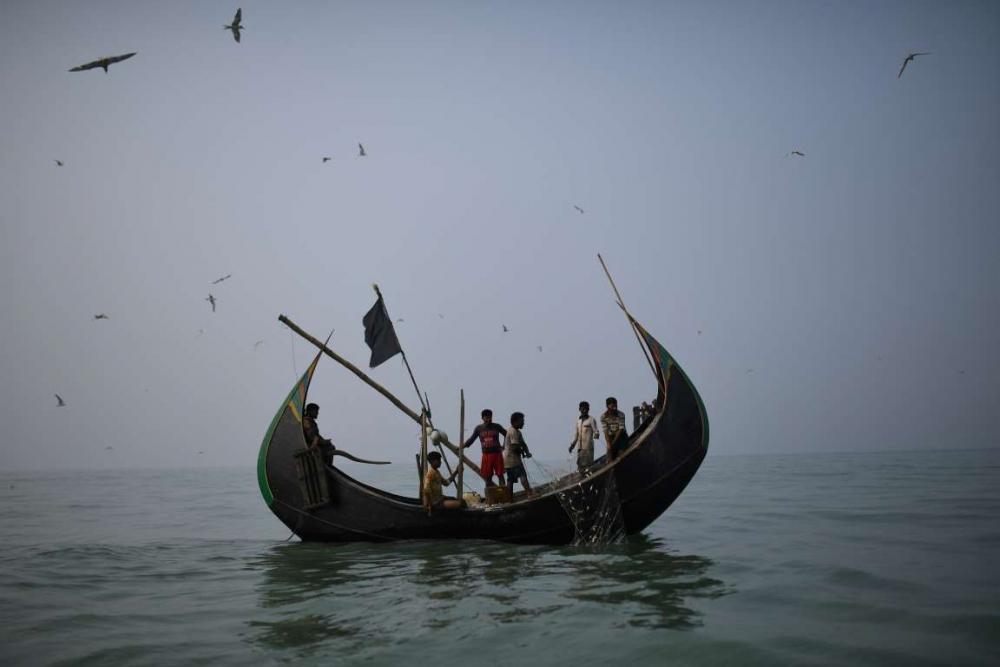 Rohingyalıların tehlikeli sularda hayatta kalma mücadelesi 14