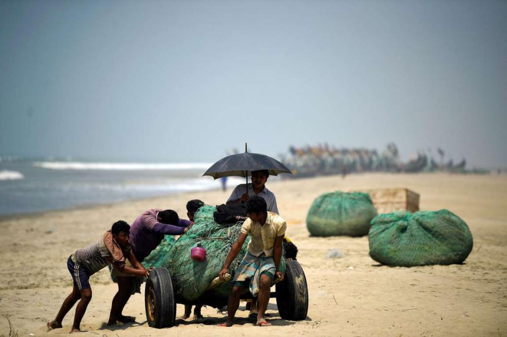 Rohingyalıların tehlikeli sularda hayatta kalma mücadelesi 15