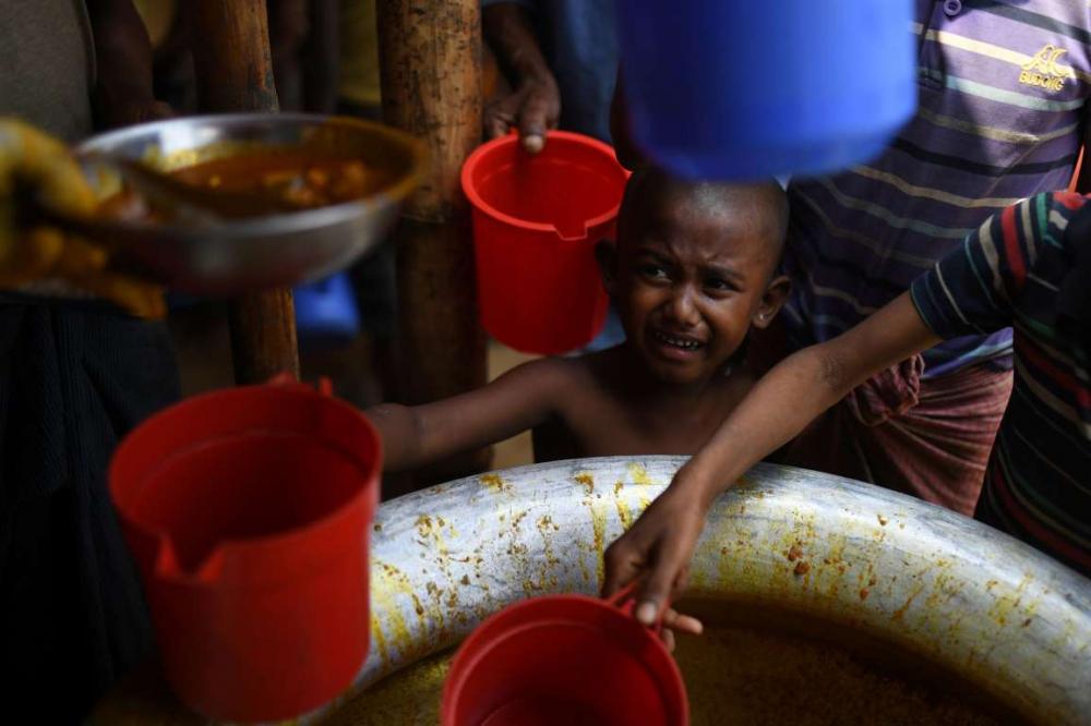 Rohingyalıların tehlikeli sularda hayatta kalma mücadelesi 19