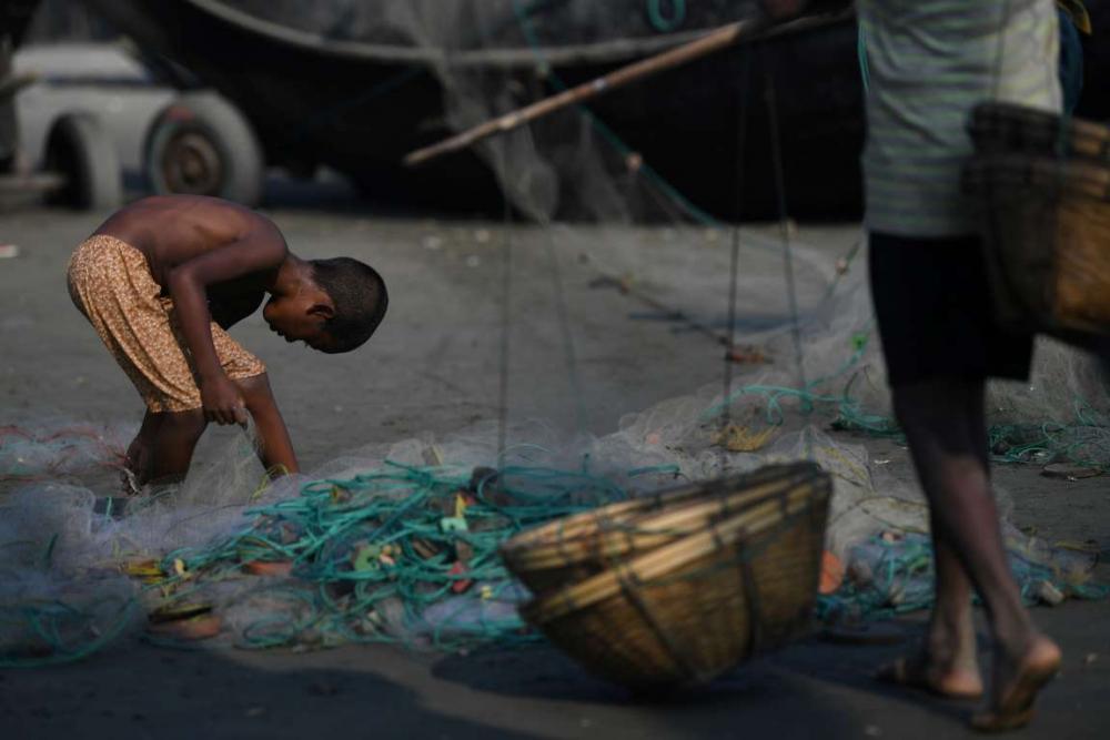 Rohingyalıların tehlikeli sularda hayatta kalma mücadelesi 20