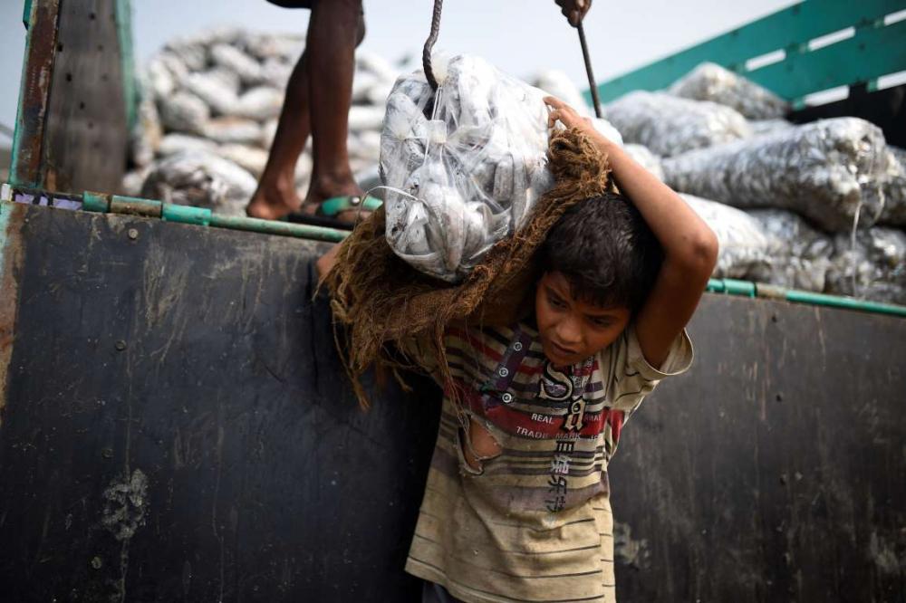Rohingyalıların tehlikeli sularda hayatta kalma mücadelesi 4