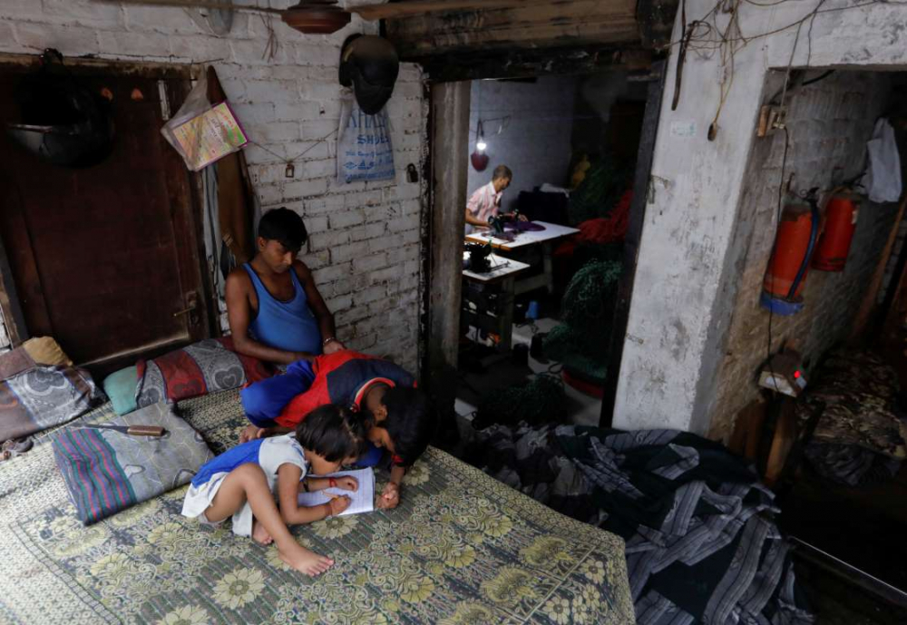 Hindistan'da dokuma fabrikalarının 'gariban' yüzü 15