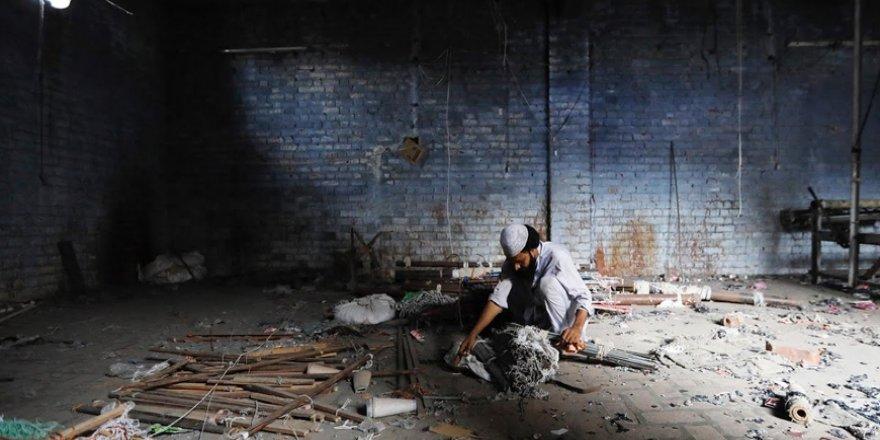 Hindistan'da dokuma fabrikalarının 'gariban' yüzü