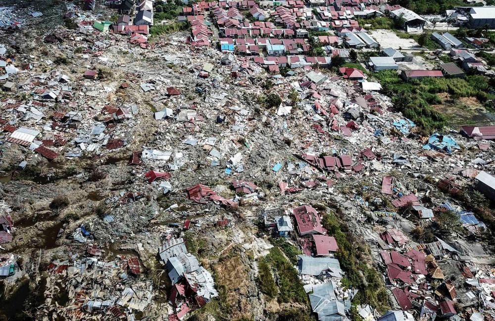 Endonezya'daki yıkıcı felaketten geriye kalanlar 13