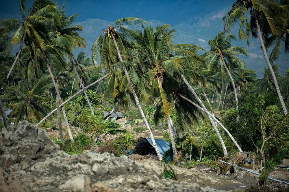 Endonezya'daki yıkıcı felaketten geriye kalanlar 15