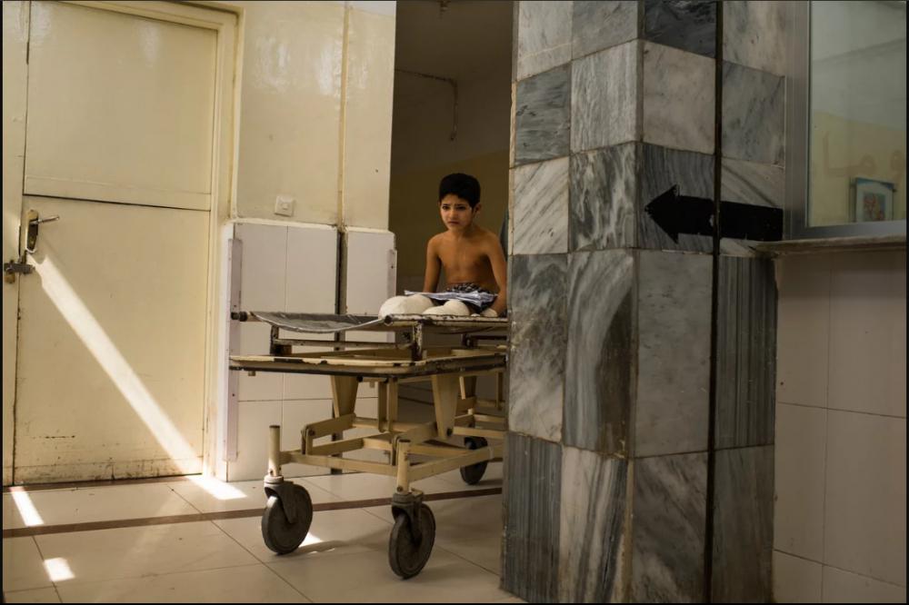 7 Afgan çocuk patlama sonrası tekrar yürümeyi öğreniyor 3