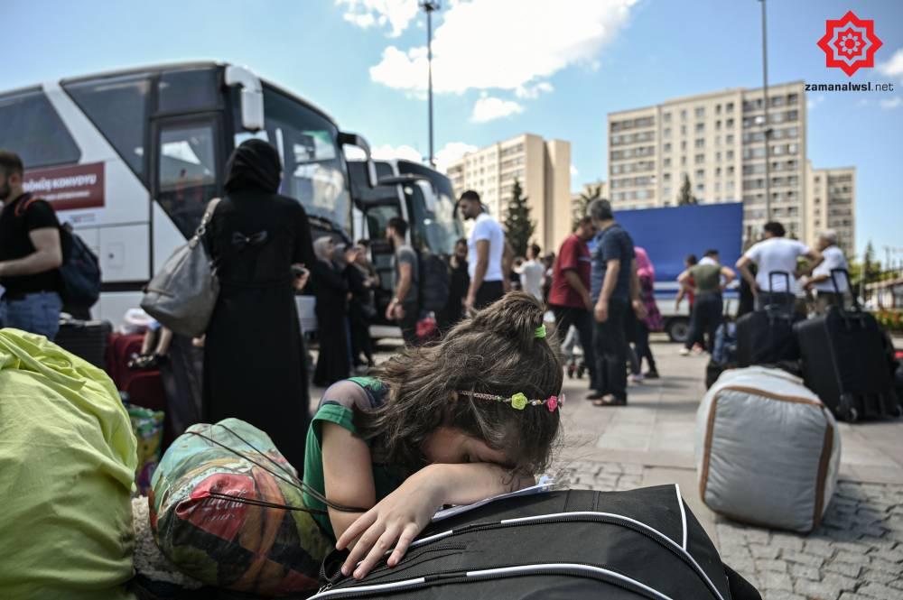 'Gönüllü olarak' Türkiye'den Suriye'ye geri gönderil 10