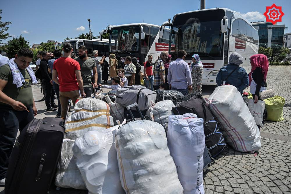 'Gönüllü olarak' Türkiye'den Suriye'ye geri gönderil 16