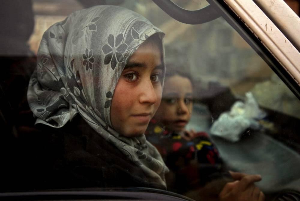 Suriye'nin kuzeyinde yüz binlerce sivil bombardımandan kaçıyor 6
