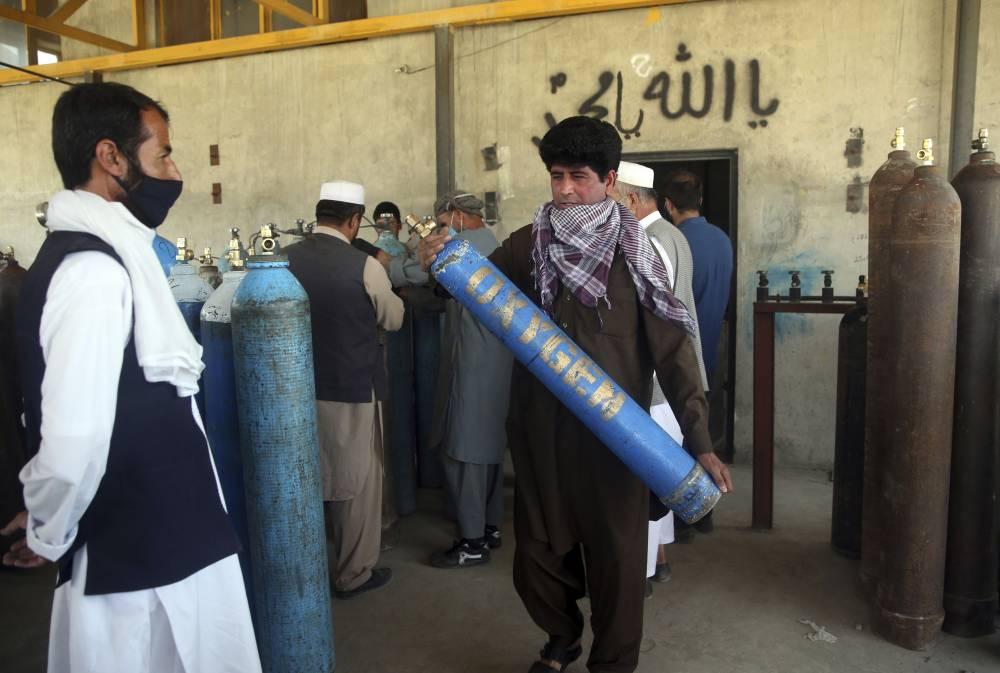Afgan halkı koronavirüsle mücadele ediyor 1
