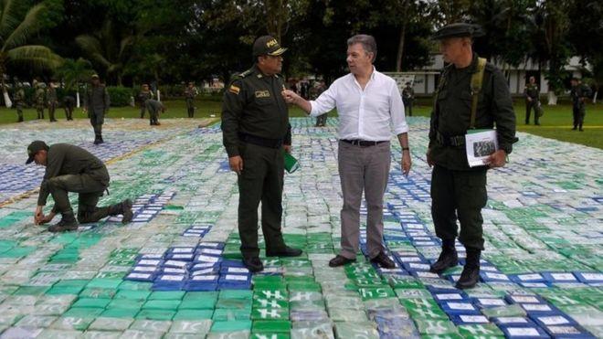 Ülke tarihinin rekor uyuşturucu baskını: 12 ton kokain yakalandı