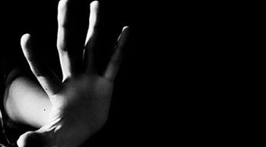 Fransa'nın başı 'cinsel istismar'la belada