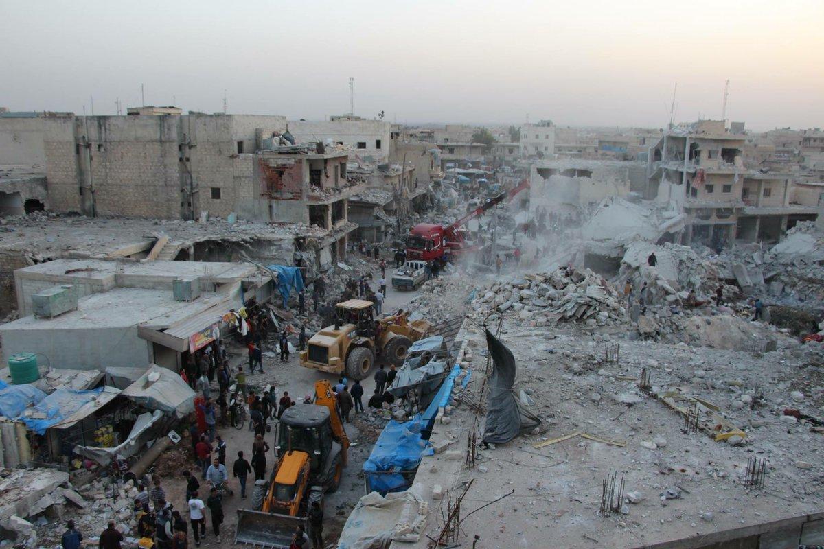 Halep'ten kan donduran görüntüler: Rus uçakları 60 sivili öldürdü