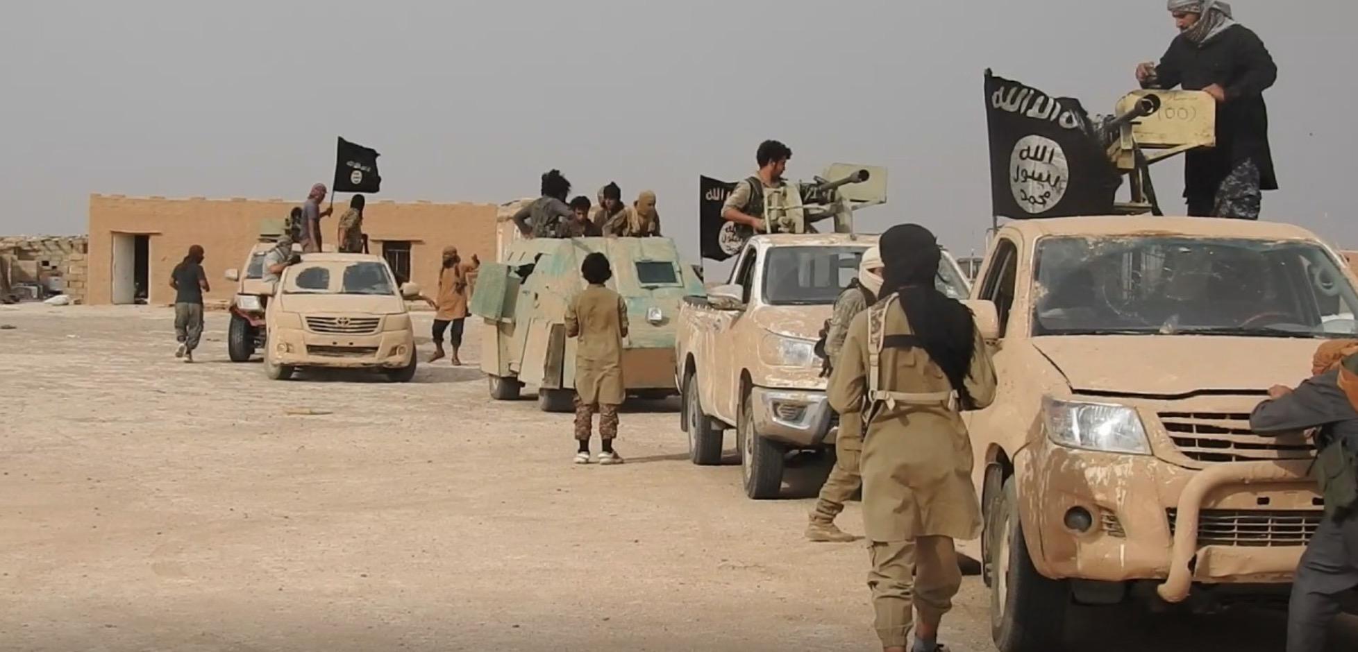 Rusya: ABD IŞİD'i vurmayı reddetti