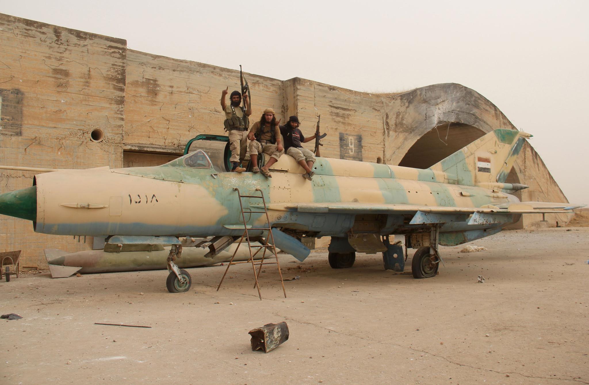 'İdlib'teki Ebu Zuhur Askeri Havaalanı rejime teslim edilecek'