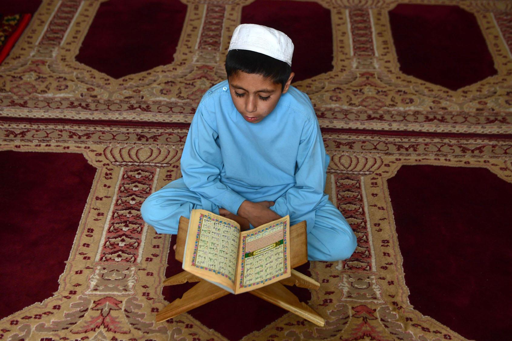 Afgan ordusu Kuran kursunu bastı: '21 çocuk infaz edildi'