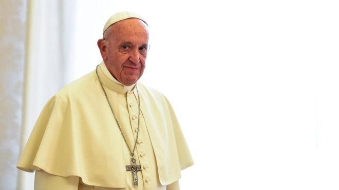 Papa Francis Arakan'dan 'bahsedemedi'