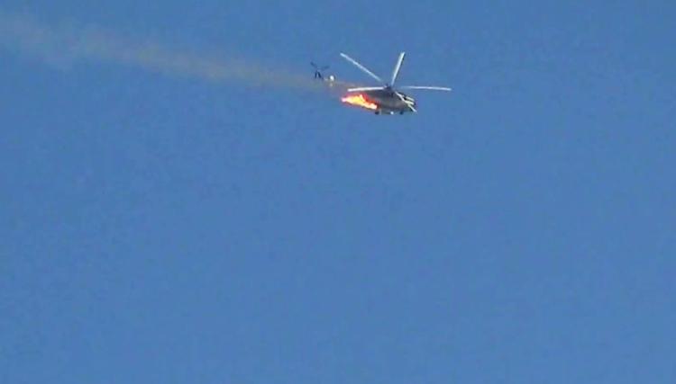 Muhalifler rejim helikopteri düşürdü