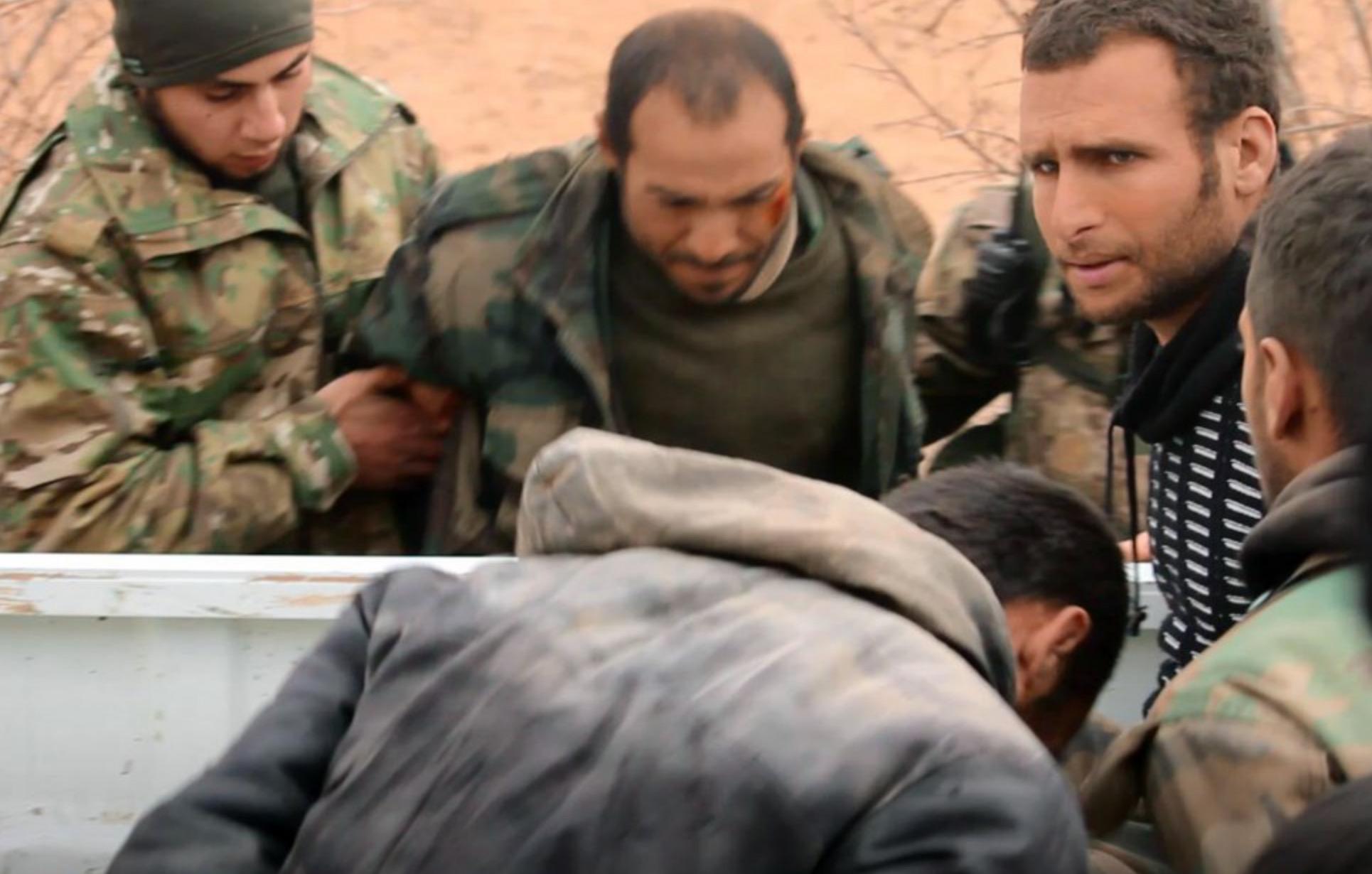 Tahriru'ş Şam biri rütbeli 8 rejim askerini esir aldı