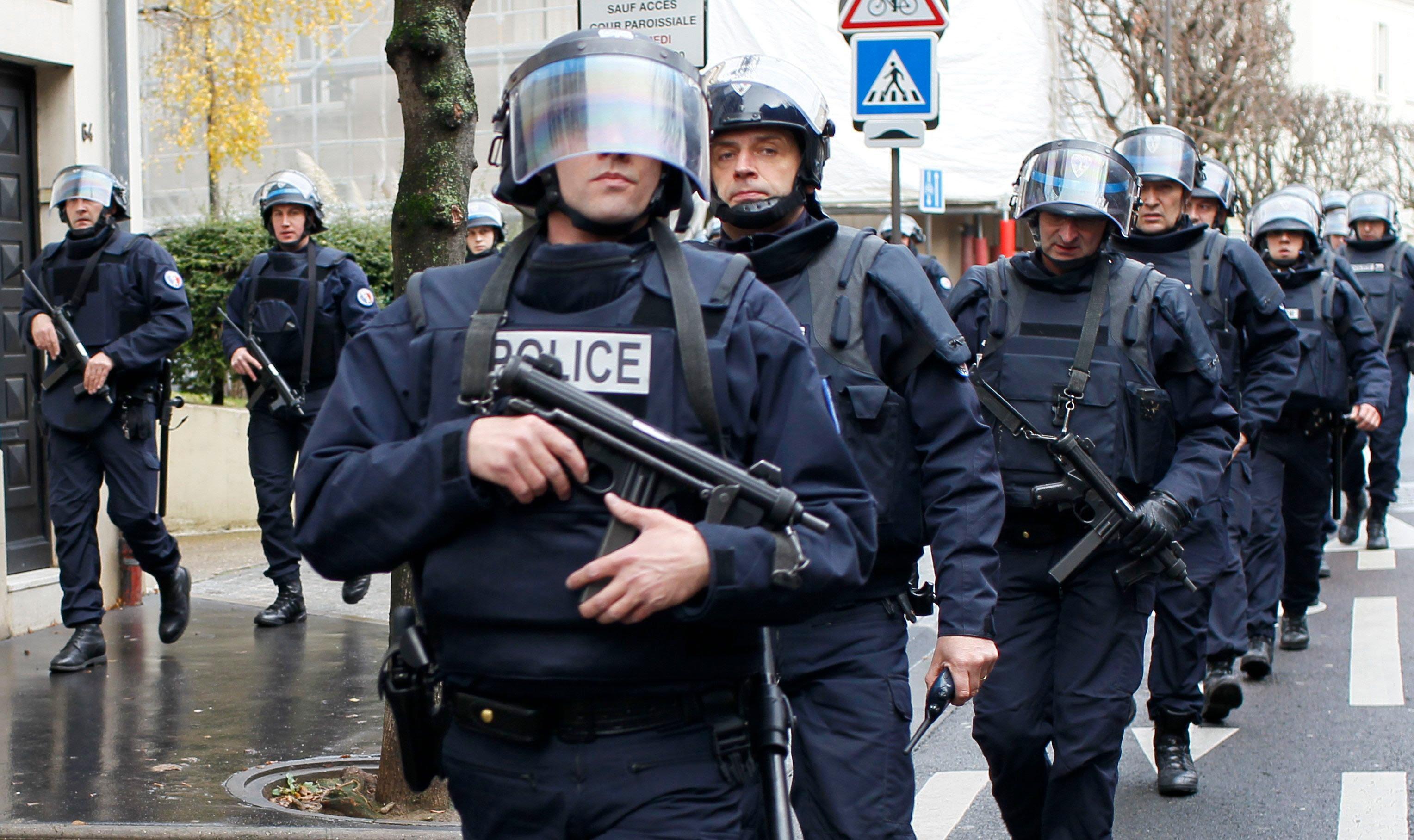 Fransa IŞİD'e karşı alarmda: 100 bin kişi görev yapacak