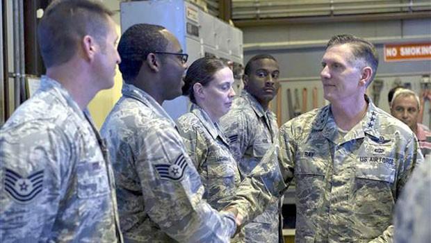ABD'li General'den İncirlik'e Sürpriz Ziyaret